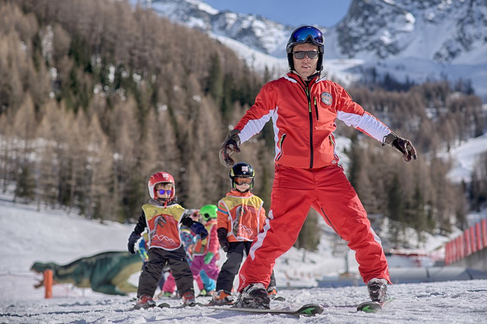 Children ski school South Tyrol