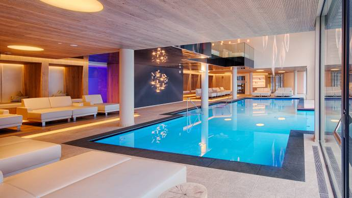 Relax areas at the indoor pool